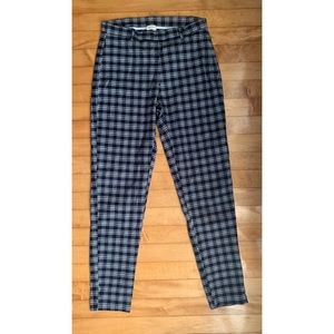 Brandy Melville Navy and White Plaid Tilden Pants